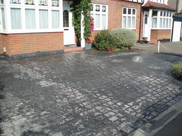 Imprinted Concrete Cleaning image